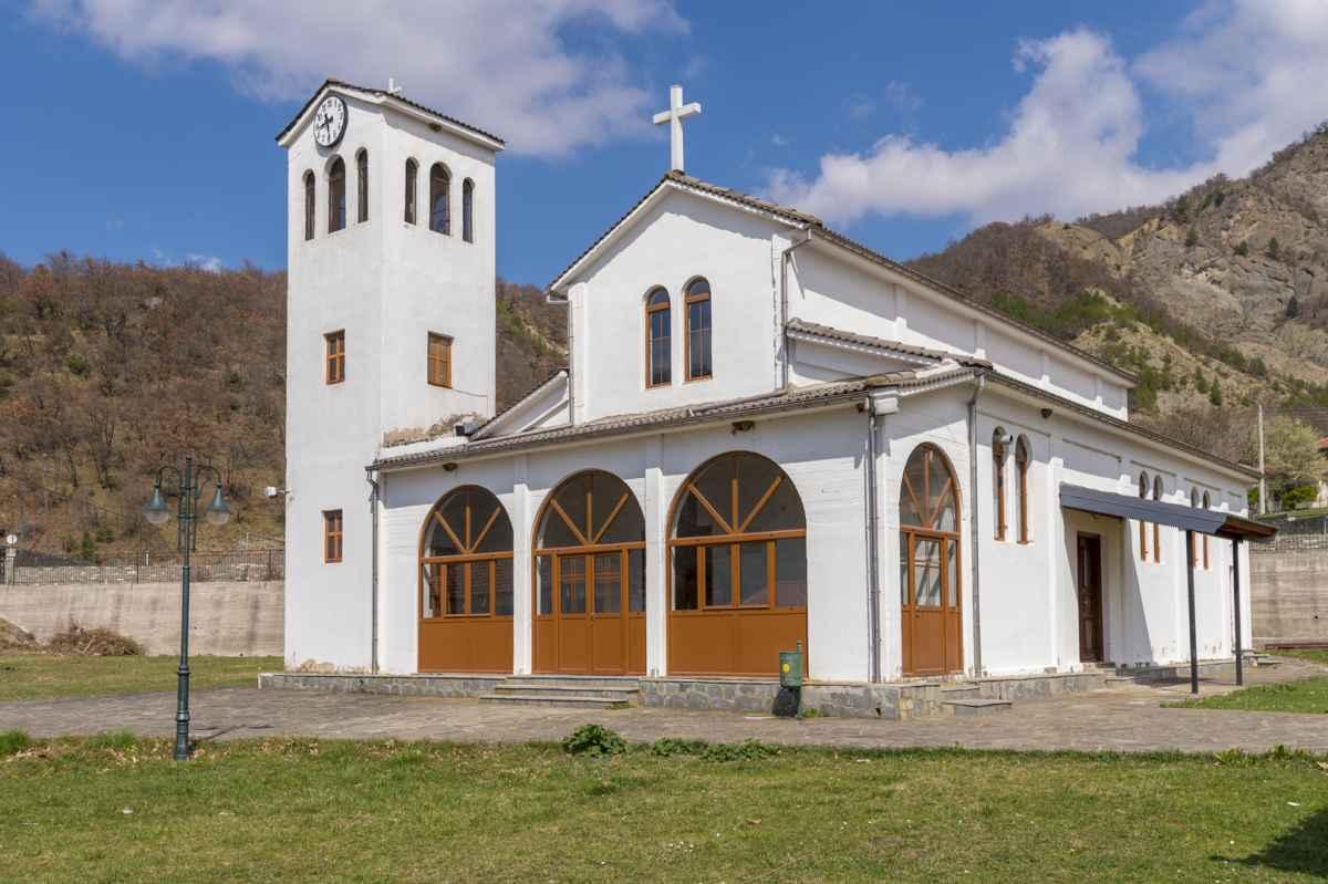 Ιερός Ναός Αγίων Κωνσταντίνου και Ελένης Κεφαλοχωρίου