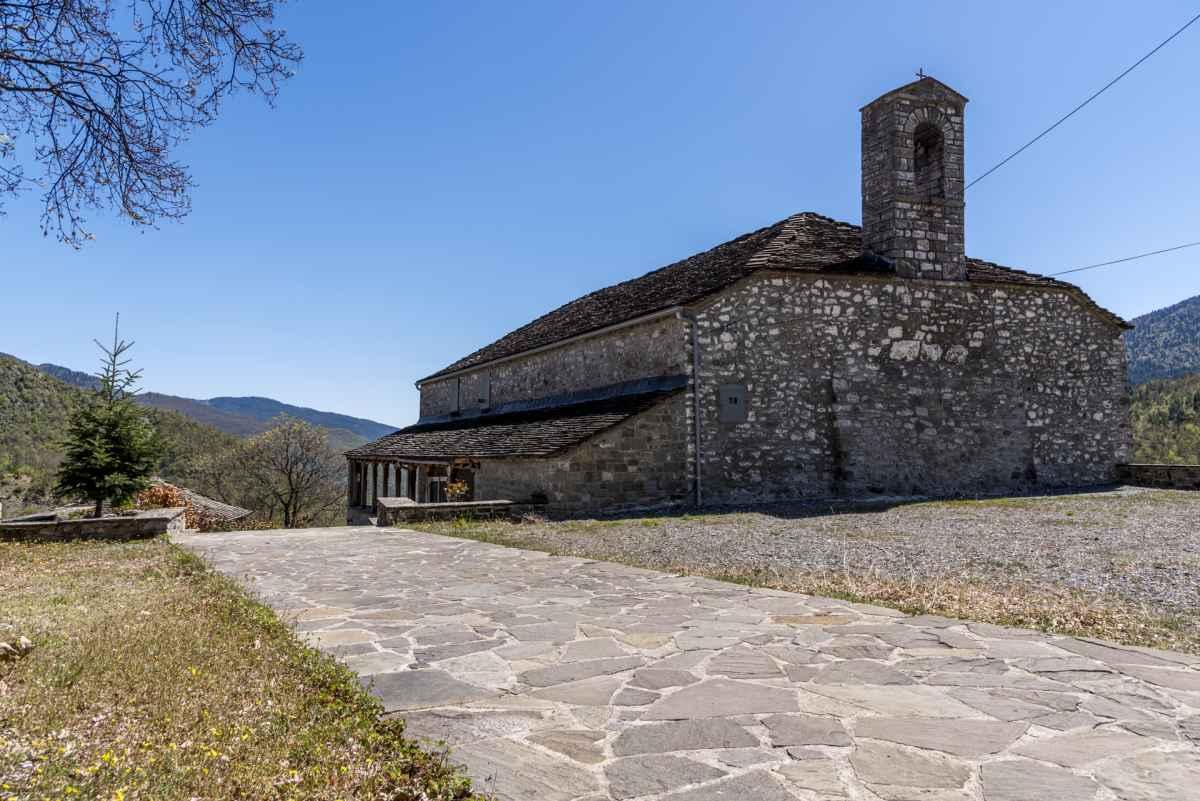 Ναός Αγίου Αθανασίου Χιονιάδων